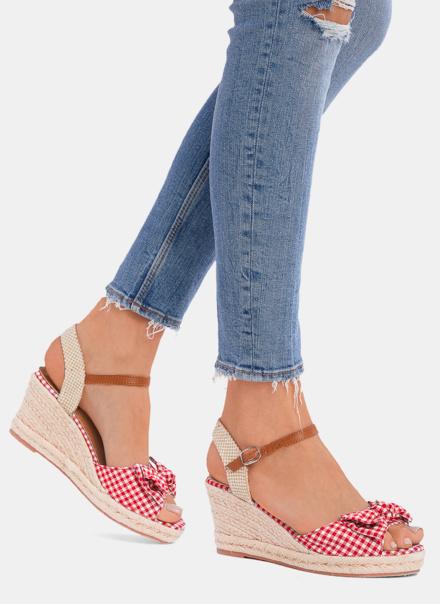 czerowne-sandalki-na-koturnie-honeymoon